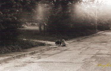"""Fotokonkursas """"Anykščiai ir apylinkės"""" (2016) - Gatvėse žaidžiantys vaikai"""