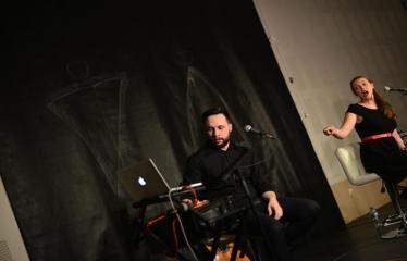 """Tarptautinis mėgėjų teatrų festivalis """"ARTimi"""" (2017) - Spektaklis """"13 su puse dainų apie meilę Jam ir Jai"""" - Aktoriai - dainininkai: Evelina Lozdovskaja ir Simas Buziliauskas"""