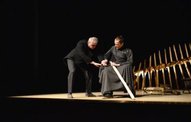 """Tarptautinis mėgėjų teatrų festivalis """"ARTimi"""" (2017) - Spektaklis """"Teatro fragmentas 1"""", """"Ateina ir išeina"""" - Aktoriai Gintautas Kazakevičius ir Žilvinas Pranas Smalskas"""