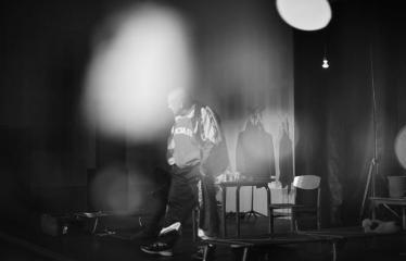"""Tarptautinis mėgėjų teatrų festivalis """"ARTimi"""" (2017) - Spektaklis """"Emigrantai"""" - Aktorius Jonas Buziliauskas"""