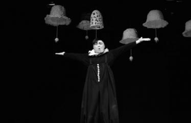 """Tarptautinis mėgėjų teatrų festivalis """"ARTimi"""" (2017) - Spektaklis """"Lėlininkas"""" - Spektaklio """"Lėlininkas"""" akimirka"""