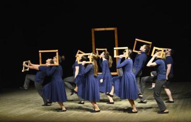 """Tarptautinis mėgėjų teatrų festivalis """"ARTimi"""" (2017) - Spektaklis """"1984"""" - Spektaklio akimirka"""