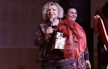 Teresės Mikeliūnaitės kultūros premijos laureato Žilvino Prano Smalsko pagerbimo vakaras - Prie mikrofono Dijana Petrokaitė