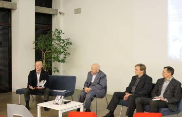 """Bronislovo Genzelio knygos """"Politikos laisvamanio užrašai: sovietmetis, Sąjūdis, nūdiena"""" pristatymas ir diskusija - Autoriaus knygą pristato """"Versmės"""" leidyklos vadovas Petras Jonušas"""