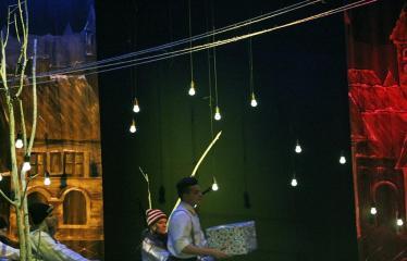 """Troškūnų vaikų ir jaunimo teatro studijos """"Mes"""" spektaklis """"Vienos nakties istorija"""" - Spektaklio akimirka"""