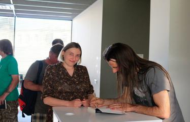 """D. Žičkaus knygos """"Stabmeldžio memuarai"""" sutiktuvės - Autografai"""