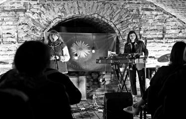 """Tarptautinė edukacinė stovykla - festivalis """"Troškimai"""" (2018) - Grupės """"Kamanių šilelis"""" gyvo garso koncertas - Grupė """"Kamanių šilelis"""" ir Jolanta Pupkienė"""