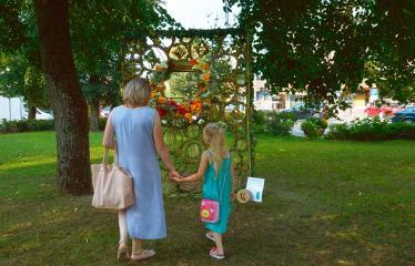 """Anykščių miesto šventė (2018) - """"Anykščių glėbyje"""" - Pilna programa - Anykščių socialinės globos namų floristinis kilimas"""