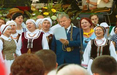 """Anykščių miesto šventė (2018) - """"Anykščių glėbyje"""" - Pilna programa - Šimtas anykštėnų gieda Antano Baranausko """"Anykščių šilelį"""""""