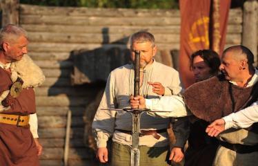 """Šiaurės Europos šalių mėgėjų teatro aljanso (NEATA) festivalis """"Baltijos skrydis"""" - Spektaklis """"Mindaugas"""" - Akimirka"""