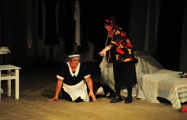 """Šiaurės Europos šalių mėgėjų teatro aljanso (NEATA) festivalis """"Baltijos skrydis"""" - Spektaklis """"Tarnaitės"""" - Akimirka"""