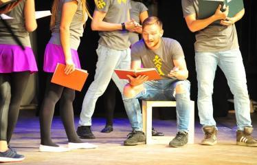 """2018 08 03 - Šiaurės Europos šalių mėgėjų teatro aljanso (NEATA) festivalis """"Baltijos skrydis"""" - Spektaklis """"Egzaminų sesija. Latvijos folklorinės dainos. Vestuvės"""""""