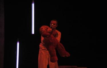 """Šiaurės Europos šalių mėgėjų teatro aljanso (NEATA) festivalis """"Baltijos skrydis"""" - Spektaklis """"Toksiškas vyras"""" - Akimirka"""