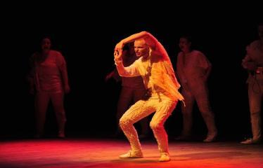 """Šiaurės Europos šalių mėgėjų teatro aljanso (NEATA) festivalis """"Baltijos skrydis"""" - Spektaklis """"Juodoji dėžė"""" - Spektaklio akimirka"""