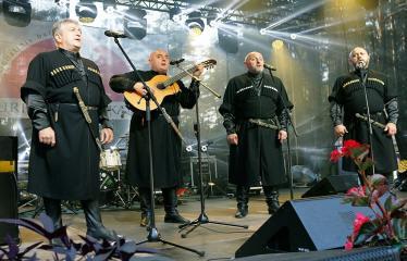 """Festivalis """"Purpurinis vakaras"""" (2018) - Didysis koncertas - Tbilisio Valstybinio operos ir baleto teatro solistai"""