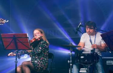 """Festivalis """"Purpurinis vakaras"""" (2018) - Festivalio pabaigos koncertas - Darius Žvirblis ir styginių kvartetas"""