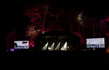 """Festivalis """"Purpurinis vakaras"""" (2018) - Festivalio pabaigos koncertas - Aistė Smilgevičiūtė ir grupė """"Skylė"""""""