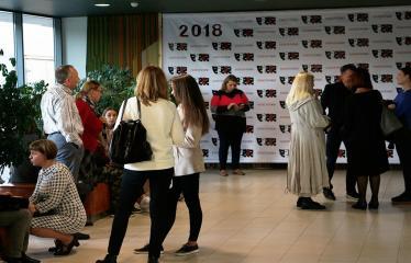 """Nacionalinės dramaturgijos festivalis """"Pakeleivingi"""" (2018) - Alytaus miesto teatras """"(Ne) vaikų žaidimai"""" - Festivalio akimirka"""