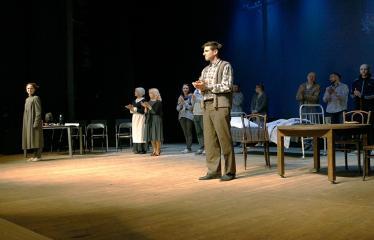 """Nacionalinės dramaturgijos festivalis """"Pakeleivingi"""" (2018) - Juozo Miltinio dramos teatras """"Rūkas virš slėnių"""" - Aktoriai"""