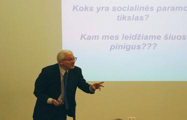 """Diskusija su prof. dr. Boguslavu Gruževskiu tema """"Socialinis jautrumas: šelpti ar investuoti?"""" - Boguslavas Gruževskis"""