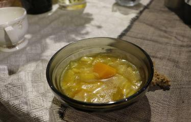 """Susitikimų ciklas """"Sveiki gyvi Anykščiai"""" / Dalyvauja Arūnas Jonuškis - Sriuba su fermentuotomis, šviežiomis daržovėmis ir ghi sviestu"""