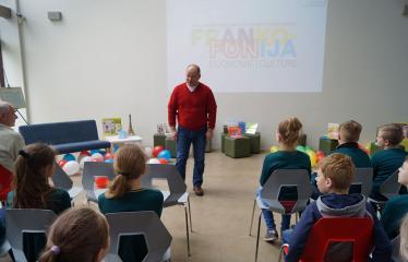 Frankofonijos dieną kviečiame paminėti bibliotekoje! - Anykščių viešosios bibliotekos direktorius Romas Kutka