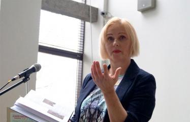 Susitikimas su žurnaliste Rūta Janutiene ir knygos pristatymas - Rūta Janutienė