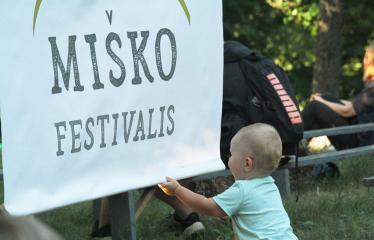 """Anykščių Miško festivalis (2019) / """"Niekas nenori išnykti"""" / Miško pamokos - Festivalio akimirka"""