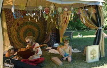 """Anykščių Miško festivalis (2019) / """"Niekas nenori išnykti"""" / Saulėgrįža - Festivalio akimirka"""