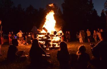 """Anykščių Miško festivalis (2019) / """"Niekas nenori išnykti"""" / Saulėgrįža - Joninių laužas"""