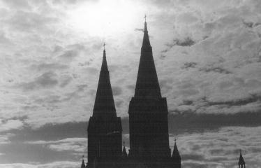 Analoginė fotografija - nuo A iki Z. Kūrybinės dirbtuvės su dr. Gintautu Trimaku - Anykščių Šv. Mato bažnyčios bokštai