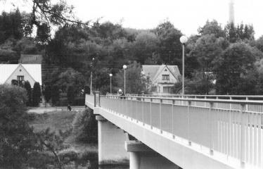 Analoginė fotografija - nuo A iki Z. Kūrybinės dirbtuvės su dr. Gintautu Trimaku - Anykščių miesto pėščiųjų tiltas