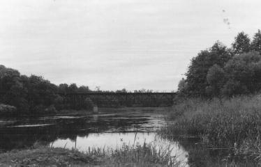 Analoginė fotografija - nuo A iki Z. Kūrybinės dirbtuvės su dr. Gintautu Trimaku - Anykščių geležinkelio tiltas