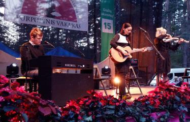 """Festivalis """"Purpurinis vakaras"""" (2016) - Penktadienio vakaro koncertas - Ieva Prūsaitė ir grupė"""