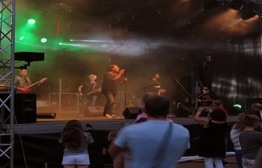"""Anykščių miesto šventė (2017) - """"ŠvenČIA ANYKŠČIAI"""" - Vakaro koncertas - """"Laiptai"""", """"Pelenai"""", """"BIX"""", DJ Monsta - Grupė """"Pelenai"""""""