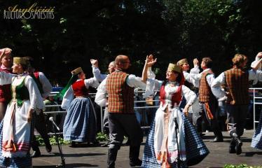 """36-oji Respublikinė tradicinės kultūros ir žirgų sporto šventė """"Bėk bėk, žirgeli!"""" (2015) - Šventė"""