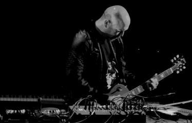 "Elektroninės muzikos festivalis ""The Machine Started To Flow Into A Vein (Vol. 3)"" - Andrew Liles"