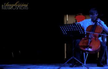 """Festivalis """"Vasaros klavišas"""" pristato """"NONCLASSICAL LIETUVA"""" - Arnas Kmieliauskas"""