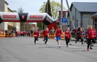 """Tradicinis 52-asis bėgimas """"Anykščiai – Puntuko akmuo – Anykščiai"""" - Trasoje"""