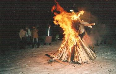 """Fotokonkursas """"Anykščiai ir apylinkės"""" (2004) - Užgavėnių šventė Naujųjų Elmininkų bendruomenėje"""